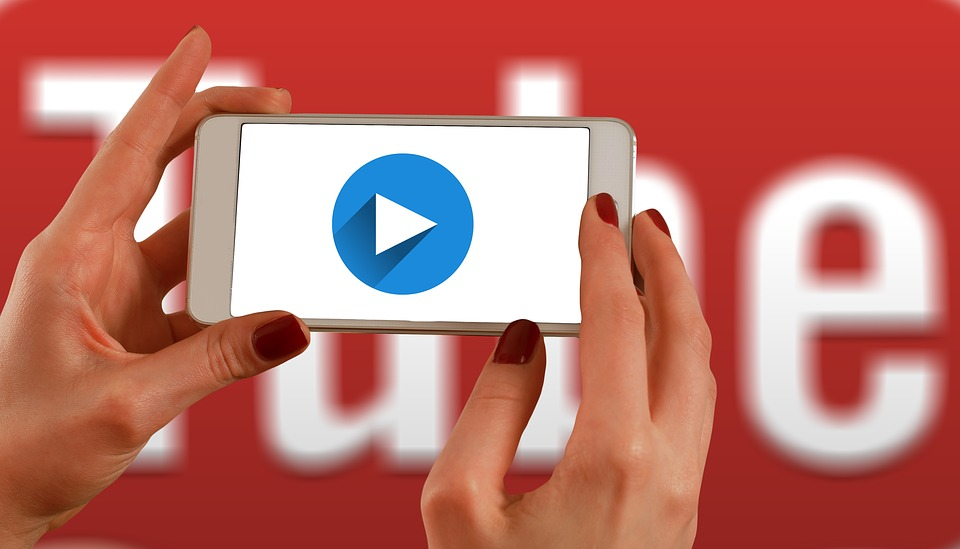 Subtitling or dubbing – the big question of international media content